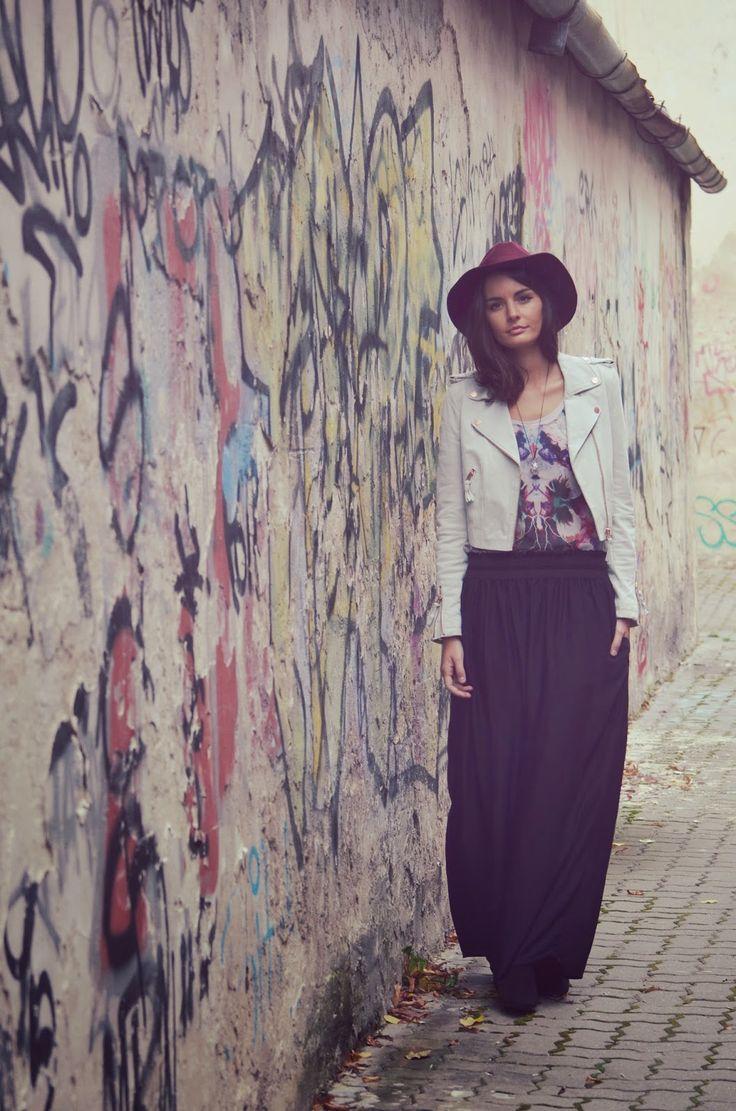 http://oneplusme.blogspot.sk/2014/10/maxi-skirt.html
