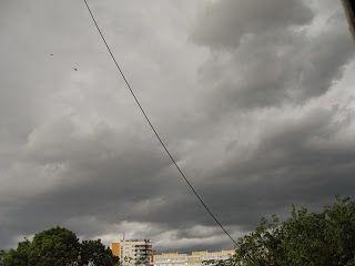 Daniele: Nori de furtuna  http://daniela-florentina.blogspot.ro/2015/05/nori-de-furtuna.html