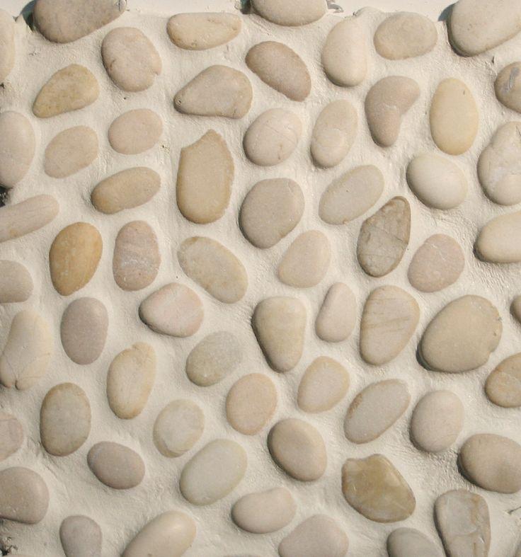 houtlook tegels badkamer en kiezels | ... natuursteen › Mozaiek › Mozaiek / wandbekleding kiezels wit