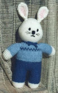 Je vous propose la traduction de ce mignon petit lapin, l'original est  ici   Je ne l'ai jamais tricoté, juste traduit pour le plaisir...