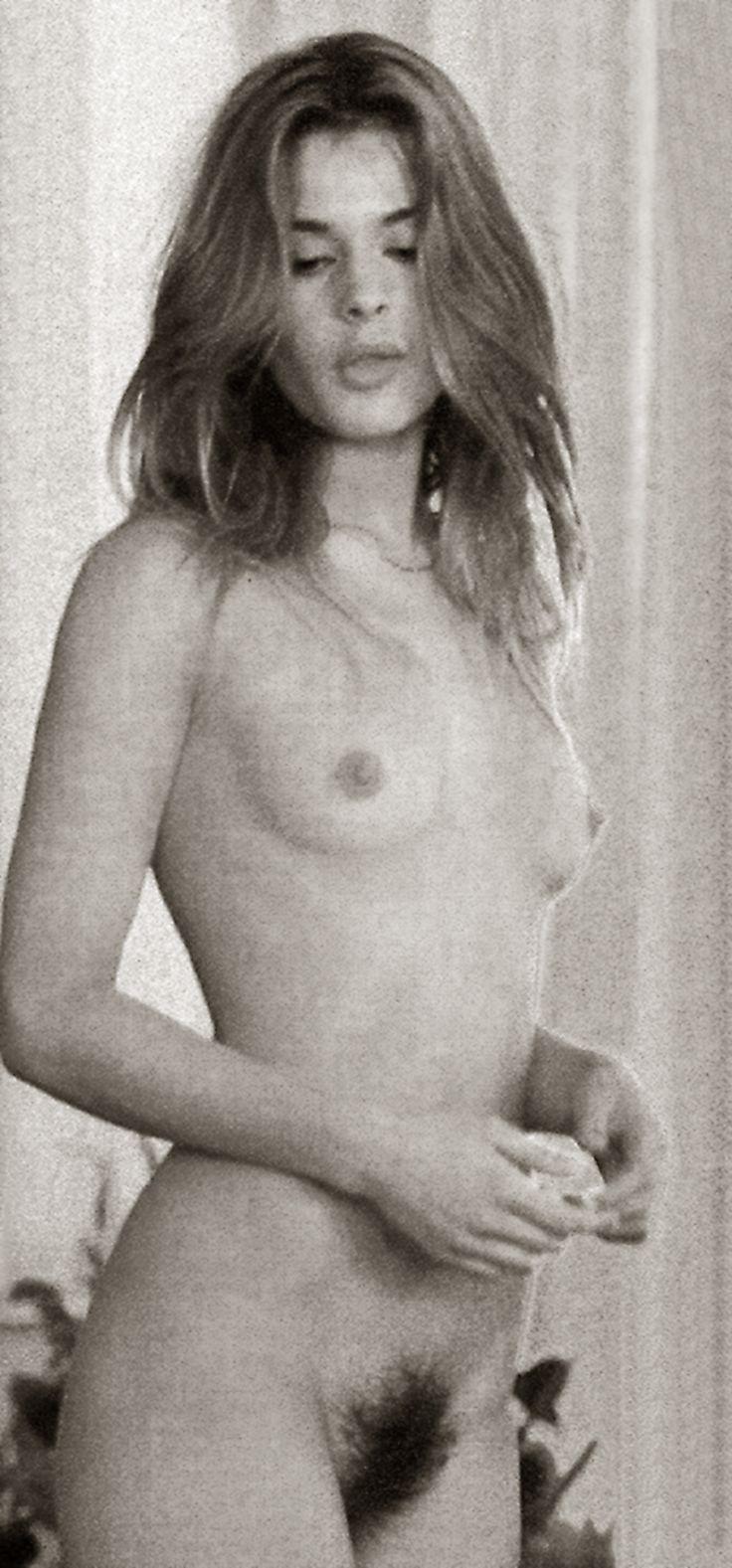 352 nudes