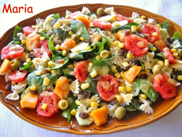 Ensalada de verdura y fruta con vinagreta de hierbabuena y nectarina