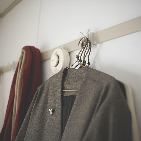 整理収納コンサルタントの本多さおりさんに教わる、片付け術の特集をお届けしています。[mokuji] 4日目の本日は、押し入れ・クローゼット収納。本多家の衣類を収納する押し入れの収納を拝見しま