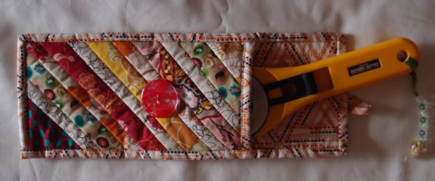 GUEST BLOG - Michelle Marvig.    Learn how to make Art Gallery's 'Indie' Rotary Cutter Bag