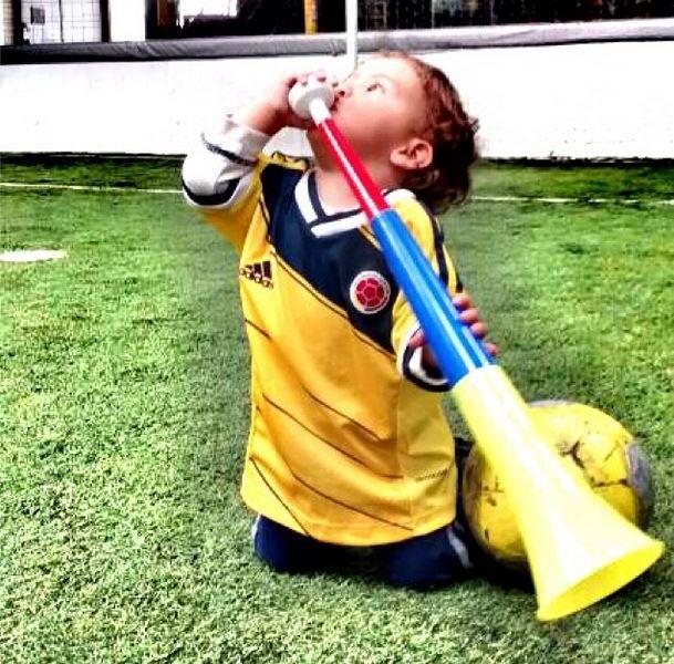 Mi angelito ya tiene la tricolor!! Hoy ganamos #sobrino #jakob te amoooooooo ❤️ #missyou  #elmundialconlahinchada