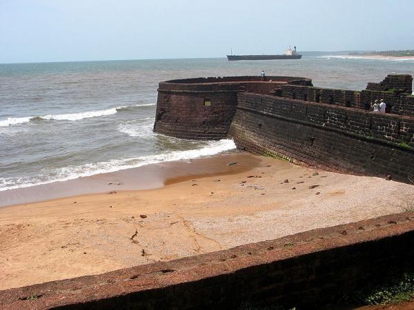 Visit Fort Aguada before you take a swim at Sinquerim Beach. Photo credit: Holidayiq