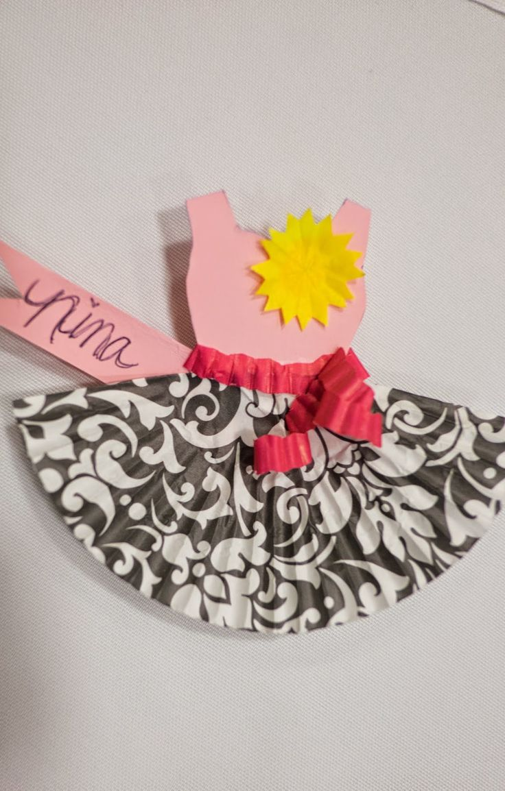 Moms Group Spring Session: Waffle Bar and Cupcake Liner Name Tags