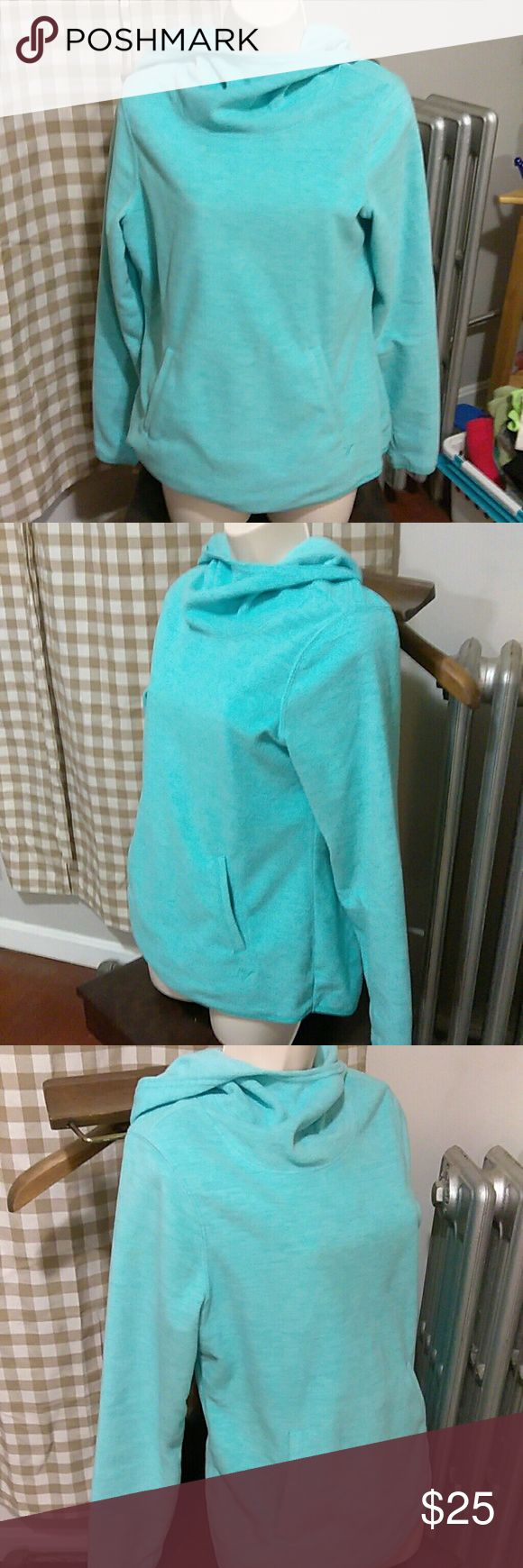 *Old Navy* Seafoam Top Extra Comfortable *Old Navy* Seafoam S/P Active Pullover Hooded Top with 2 front pockets and thumb hole Sleeves!! In Excellent Condition! From a smoke free home!! Old Navy Tops Sweatshirts & Hoodies