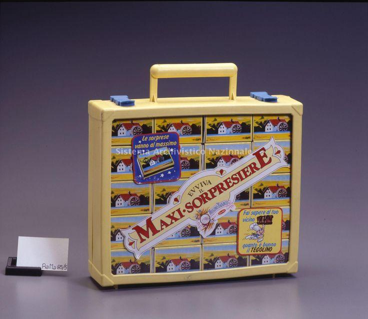 Dal 1983 al 1990 le merende Mulino Bianco propongono piccole sorprese in pack racchiuse in una scatola tipo fiammiferi. La valigetta per collezionarle e' del 1985