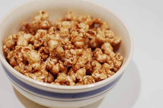 Recipe: Microwave Caramel Popcorn