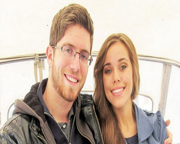 Duggar Family News: Ben Seewald Expecting Twins & Says To Pray For Obama? - http://www.morningledger.com/duggar-family-news-ben-seewald-expecting-twins-says-to-pray-for-obama/13101020/