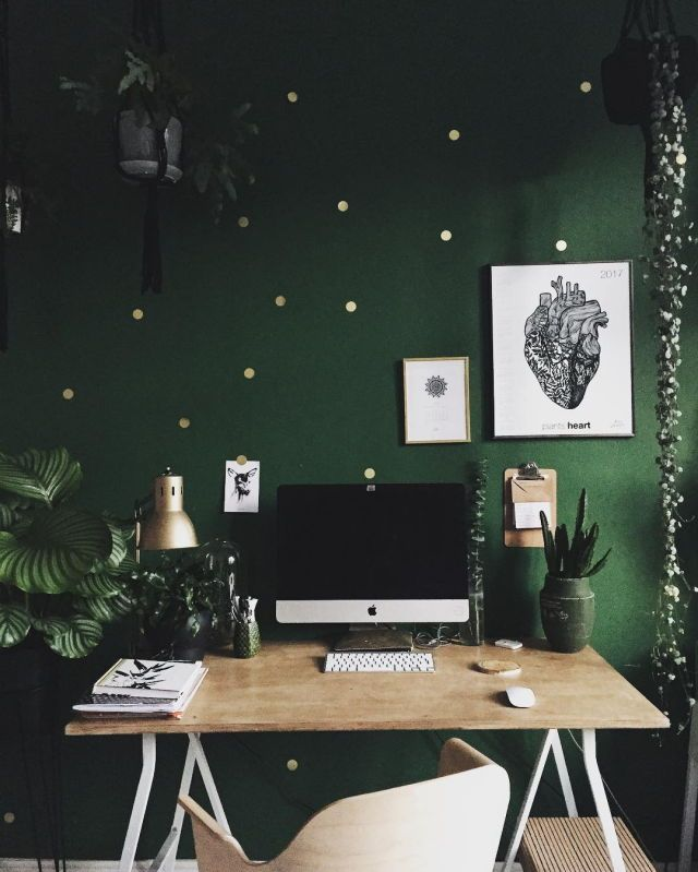 Green wall and wood desk // work space// home office