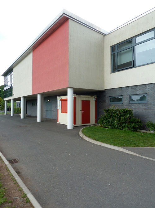 PKL Food Cube at Oasis Academy School. The semi-permanent building was installed to ease congestion in the dining room at the school during lunchtimes, and now accounts for around 30% of total food sales.
