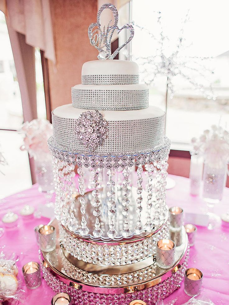 18 Wedding Cake Ideas With Silver and Gold Bling