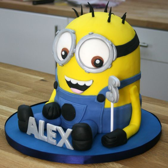 25+ beste idee?n over Minion cake tutorial op Pinterest ...