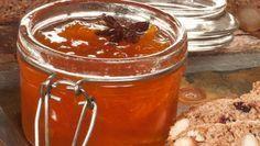 Bruno Oteiza prepara una mermelada de naranja y calabaza con anís estrellado, una conserva casera que se puede disfrutar todo el año.