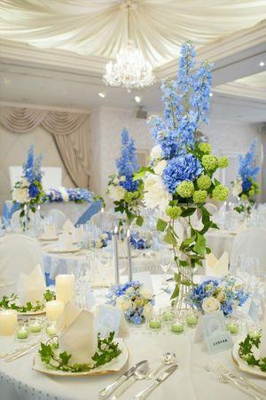 水色×グリーンx白の爽やか配色♡ 青い会場装花のアイデア一覧。