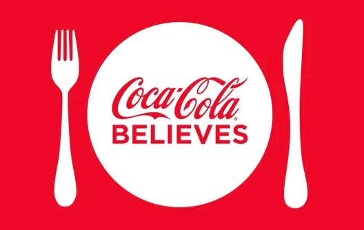 #LetsEatTogether - Coca-Cola-Kampagne integriert Live-Tweets in TV-Werbung