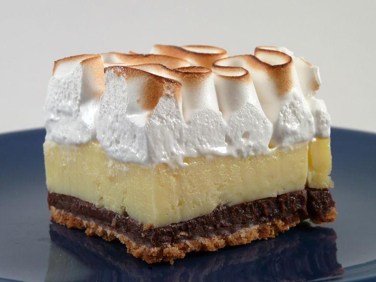 Lemon+pie+με+σαντιγί+σε+διπλή+στρώση+μπισκότων+digestive+&+oreo