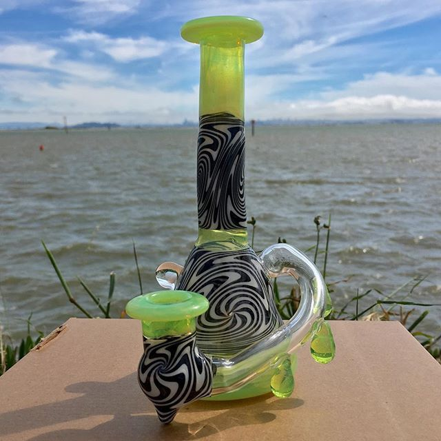 Beautiful day in the bay!  Check out the newest rig I now available. This slime tube has a 14mm female bucket connected to the built in drop-down and features a stunning AAA quality tumbled white opal from @profoundglass  #boro #boroart #bayarea #california #glass #glassporn #functionalglassart #rig #dabs #glassofig #420 #710 #1620 #handcrafted #forsale #slime #green #opals #drips #weed #eerl #pipe #terps #oneofakind #headyglass #water #eastbay #smokeweedeveryday #cannabis #kdwglass  #Regra