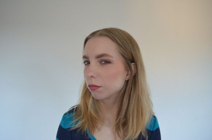 Wearing the Hourglass Ambient Lighting Blush In Mood Exposure