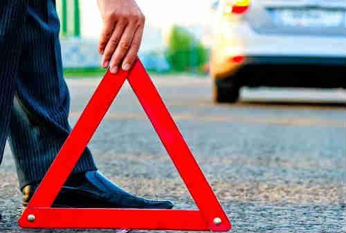 Bagaimana Cara Mengatasi Mobil Mogok Di Tengah Jalan?
