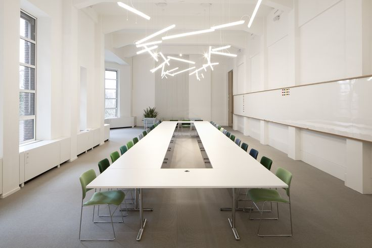 #Spaces #TheHague A project by #SevilPeach feat. #HALO LINEAL hanging light fixture by #MartinAzua http://www.vibia.com/en/blog/entry/id/99/spaces_in_the_hague_a_sociable_workplace_concept_designed_by_sevil_peach.html?utm_source=todos&utm_medium=pinterest&utm_campaign=halo