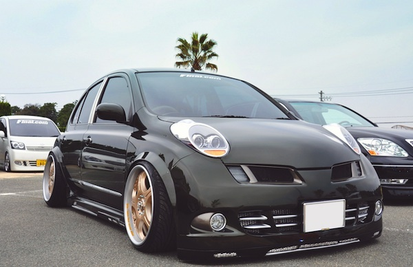 Google Image Result for http://www.carma-autoblog.com/wp-content/uploads/2011/10/Micra-stance.jpg