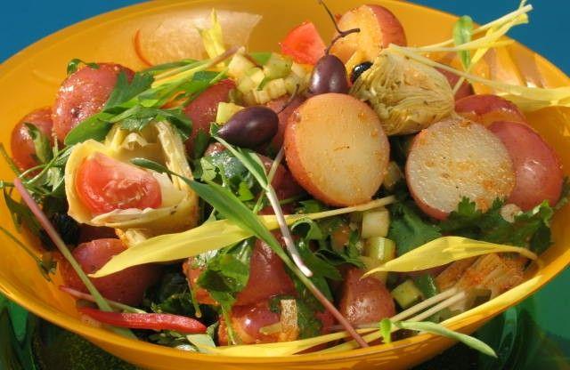 This Summer Potato Salad is perfect for a summer picnic. http://gustotv.com/recipes/sides/summer-potato-salad/