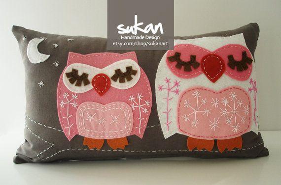 Sukan / Owls Pillow Cover - Lumbar pillow cover - decorative throw pillows Try owl pillows like the felt petal flowers!