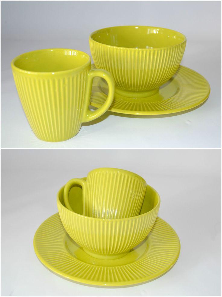 Lime - набор посуды для завтрака на 1 персону. ЧАШКА + ПИАЛА + ДЕСЕРТНАЯ ТАРЕЛКА. Глазурованная керамика. Подходит для микроволновой печи и для посудомоечной машины.  --  Цена 320 грн.  --  #красиваяпосуда #посуд #посуда #керамика #ceramics #pottery #polishpottery   ceramic tableware   pottery   polish pottery   посуда   керамическая посуда   польская керамика    польская посуда   керамика   красивая посуда   наборы для завтрака