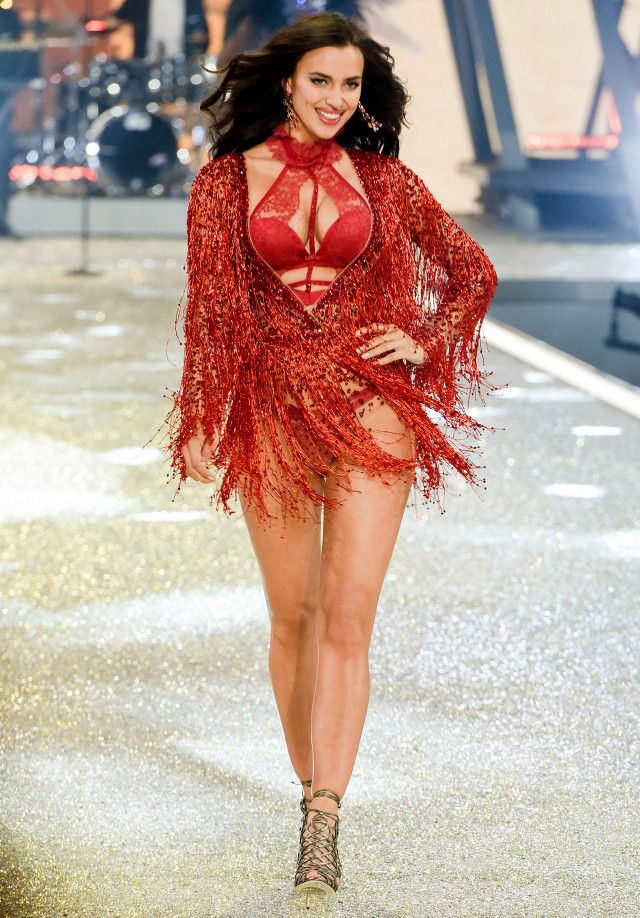Model Irina Shayk Debuts Baby Bump on the Victoria's Secret Fashion Show Runway | WhoWhatWear