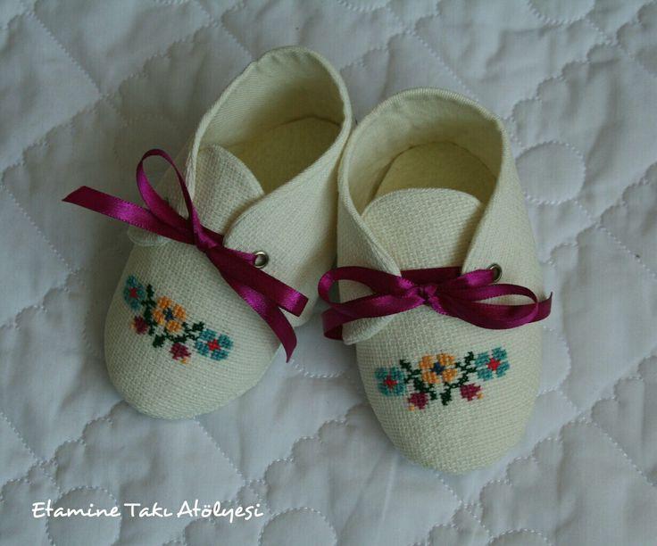 #etamin #etaminayakkabı #etaminbebekayakkabısı #bebekayakkabısı #crossstitch #crossstitchbabyshoes #crossstitchshoes #babyshoes #handmadebabyshoes