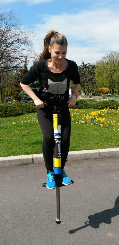 Super fun on pogo stick #pogostick  http://scoaladesport.ro/