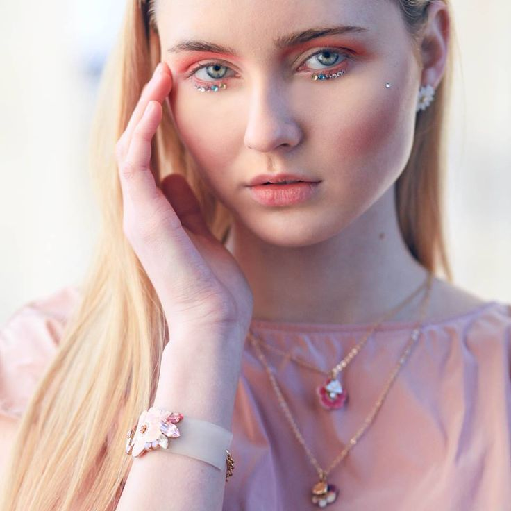 Spring Girl by #luliartbijoux  #shooting #spring #pink #floral #girl #feminine #jewelry