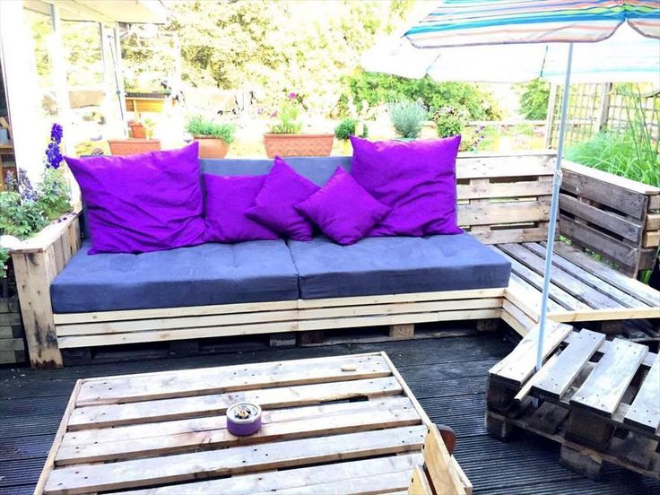 Beautiful Pallet Lounge Furniture Check more at http://palleteideas.info/2016/11/10/beautiful-pallet-lounge-furniture/
