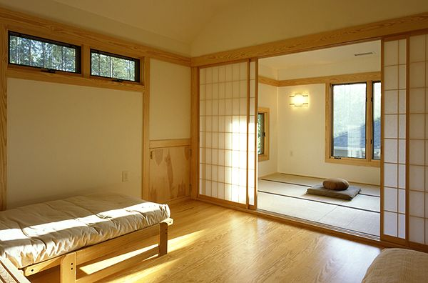 Great space idea: Tamami room. A guest room/meditation and yoga room. Someday...