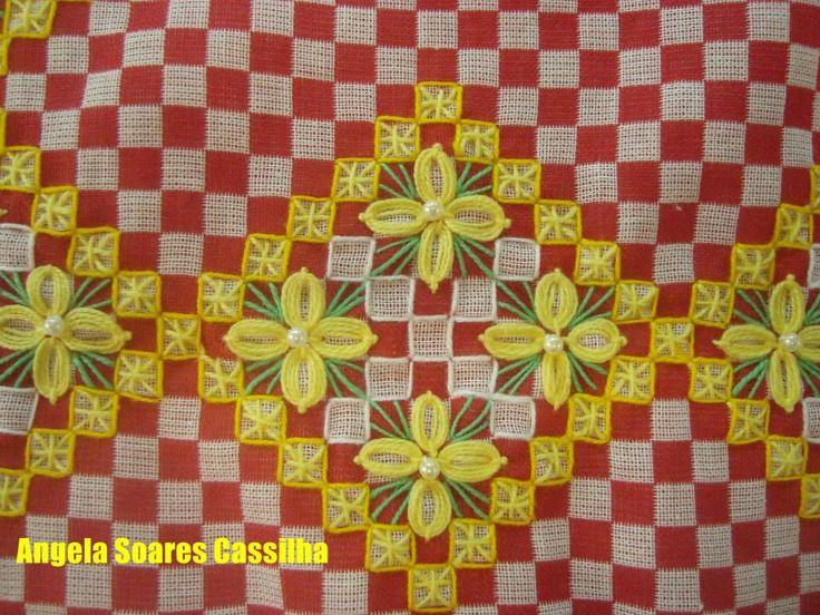 ♥bordado no tecido xadrez, lindo!! chicken scratch