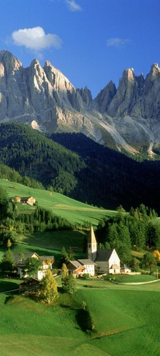 Val di Funes Valley in south Tyrol, northern Italy