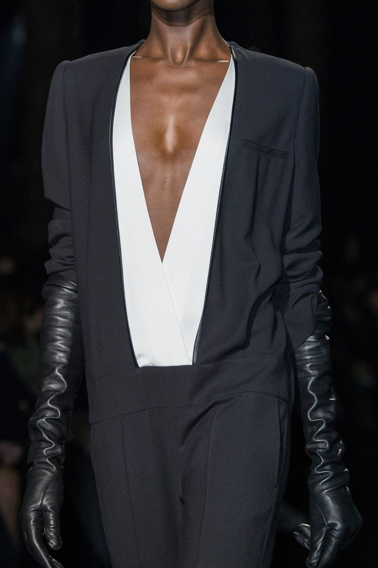 tailored concept/slouchy fit  (Haider Ackermann at Paris Fashion Week Fall 2015.)