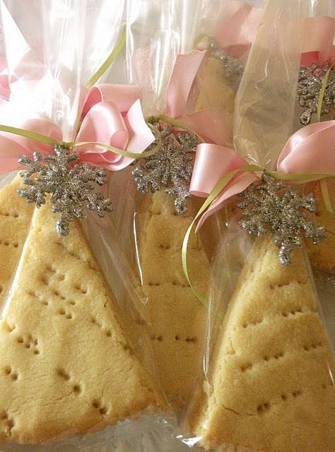 Tree-shaped shortbread cookies in cellophane