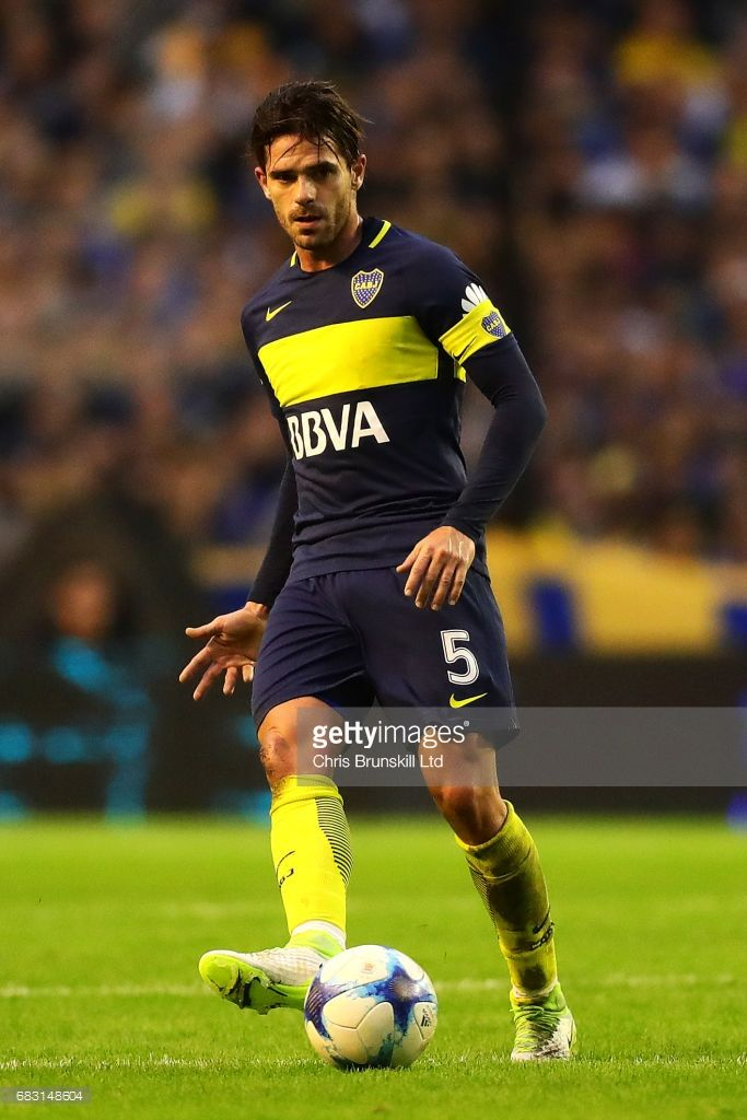 Fernando Gago of Boca Juniors in action during the Torneo Primera Division match between Boca Juniors and River Plate at Estadio Alberto J. Armando on May 14, 2017 in Buenos Aires, Argentina.