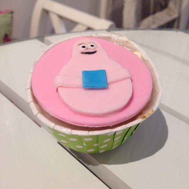 Klart det ska matchas ihop! #barbapapa #sockervadd #birthday #födelsedag #barnkalas #party #fest #färgglad #colorful #homemade #handmade #fun #rolig #catering #göteborg #linné #gbgftw #cupcake