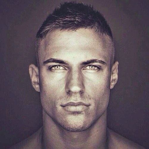 Side Swept Crew Cut http://www.99wtf.net/men/popular-hairstyles-men-2017/