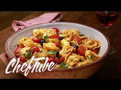 Aux tomates et à la mozarella et avec une sauce au pesto rouge relevée Faire cuire les tortellini dans de l'eau salée en respectant les indications su...