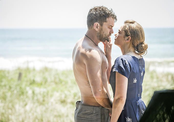 """Joshua Jackson and Ruth Wilson in """"The Affair"""" on Showtime. Could he look any more damn beautiful"""