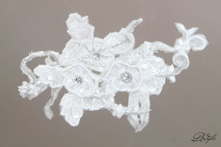 Hair accessory for brides: 110 ron