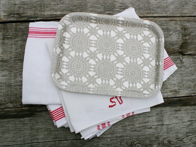 Onnia Fabric tray with grey lace.