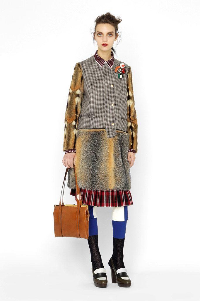 Marni Pre-Fall 2012 Fashion Show - Magda Laguinge