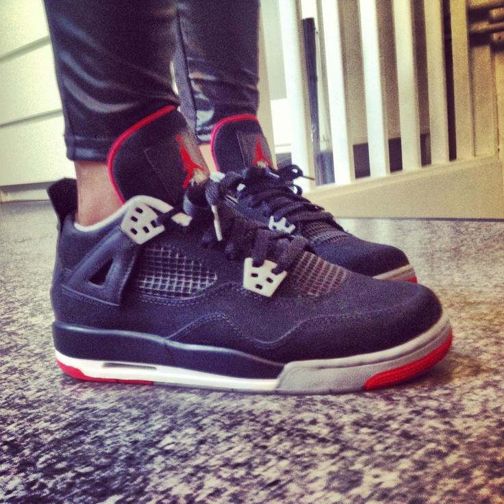 Jordan 4 Bred!
